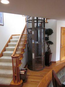 ascensor neumatico colo bronce antiguo para dos personas